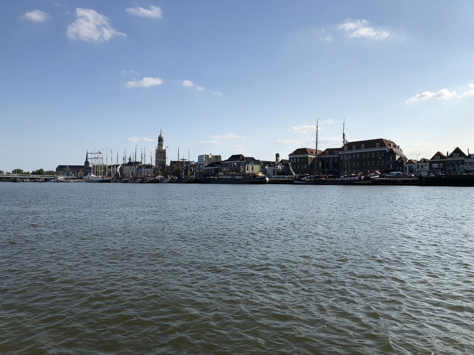 Nieuwe voorzieningen IJsselkade voor riviercruiseschepen