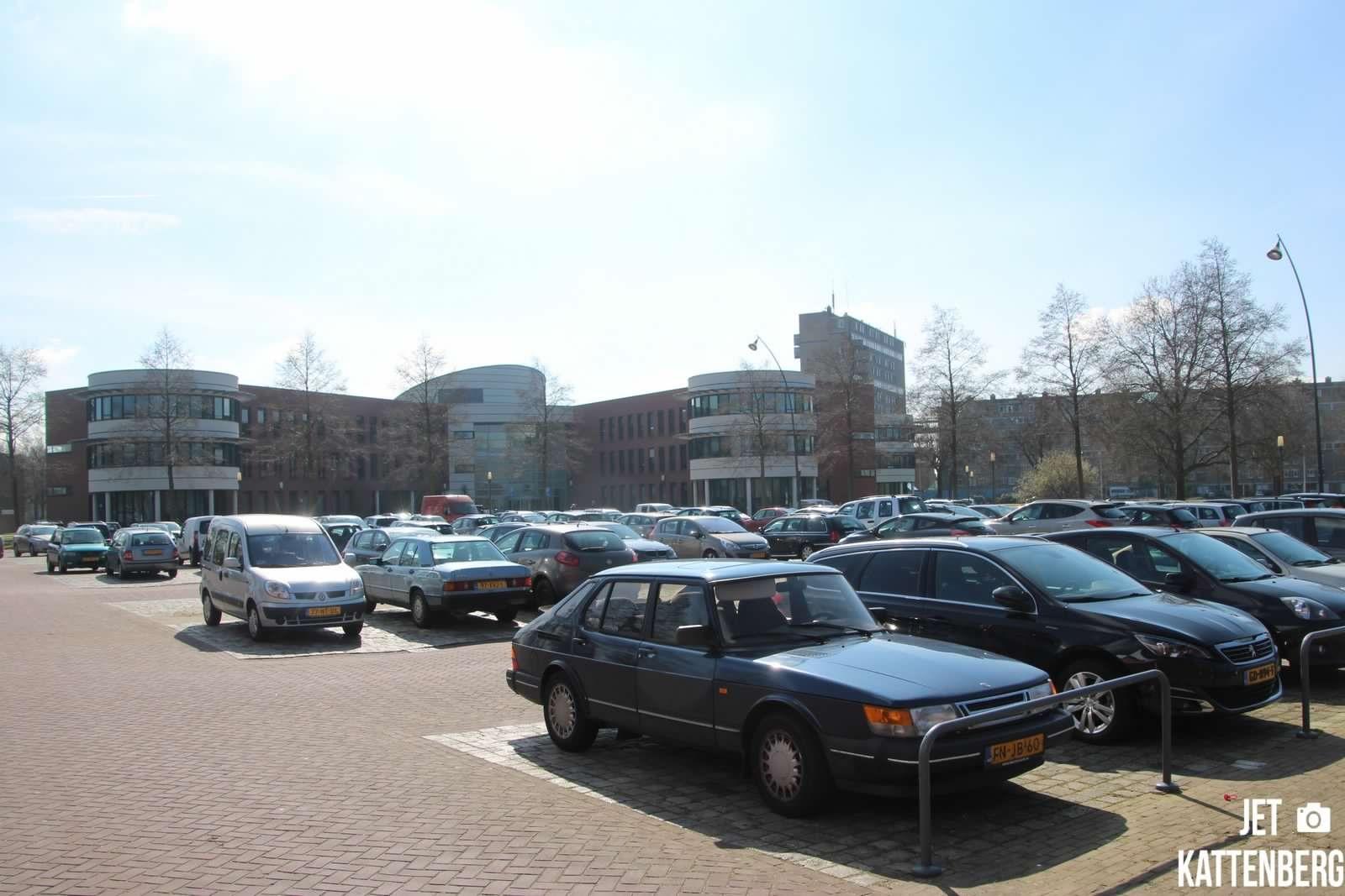 Parkeren op Burgemeester Berghuisplein vanaf 8 maart beperkt mogelijk