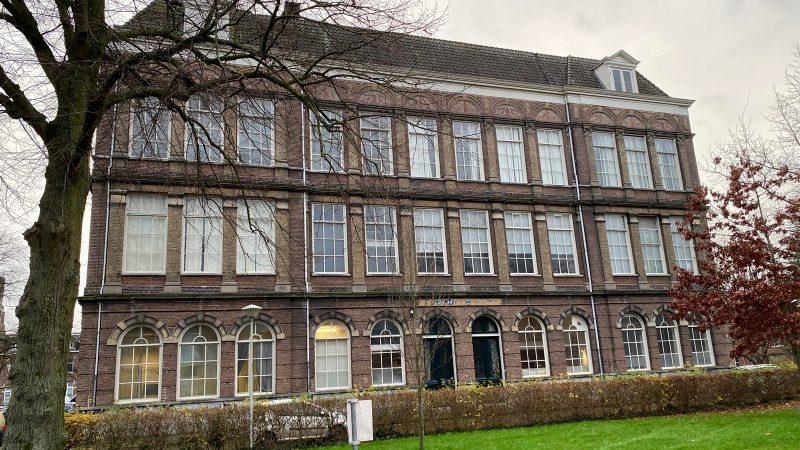 IJsselheem en gemeente tekenen koopovereenkomst voormalige HBS