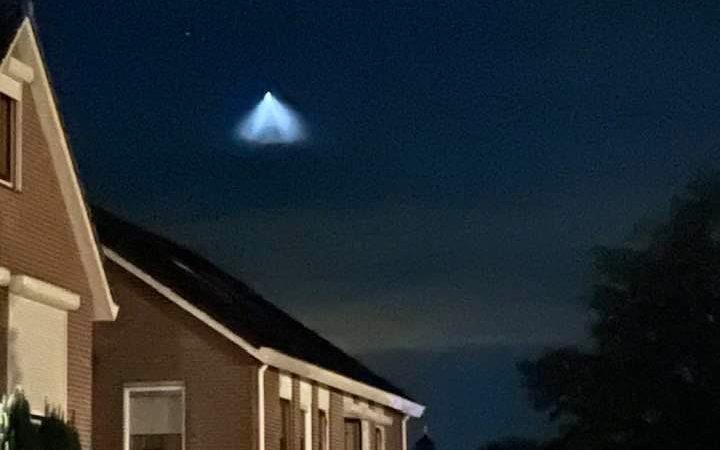 Vreemd lichtverschijnsel boven Kampen waargenomen. Nee, het was geen UFO